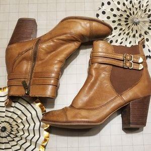 Giani Bernini Vintage Look Booties size 9